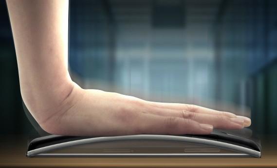 Das LG G Flex soll sich sehr gut verbiegen lassen: Foto Android Authority.