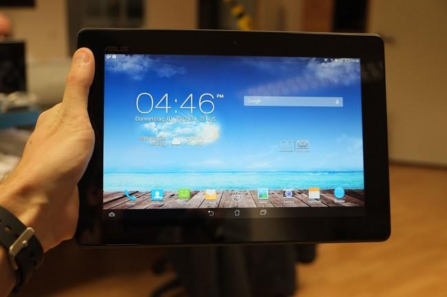 Das optionale Tablet-Dock ist in wenigen Sekunden einsatzbereit - Smartphone rein und los geht's!