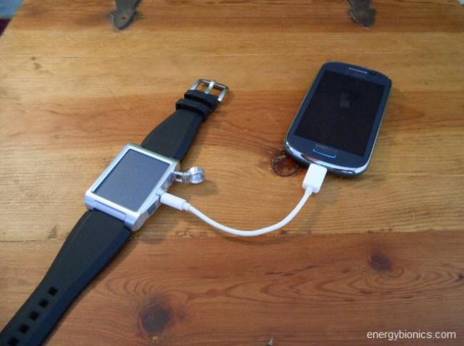 Via Minikabel kannst du fast jedes elektronische Device aufladen. (Foto: energybionics.com)