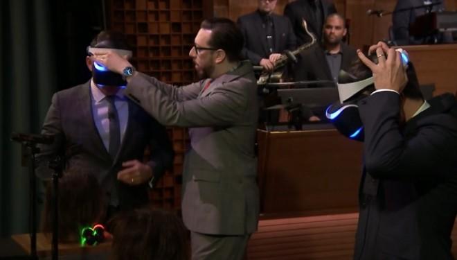 Dezent, aber dennoch deutlich: Der Auftritt der Moto 360. (Bild: The Tonight Show)