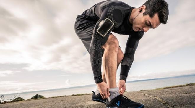 Wearable Devices sind bereits ein wachsender Markt, der sich aber in Zukunft nochmals massiv wandeln wird. Gadgets wie Fitness Tracker werden dann durch allerlei, direkt in die Kleidungsstücke eingebettete Sensoren ersetzt.