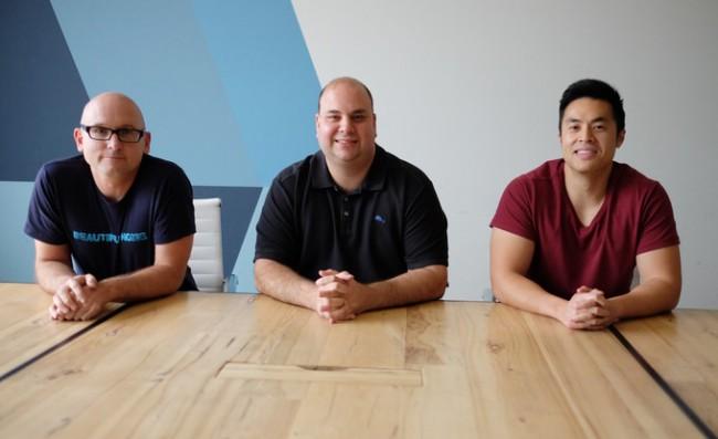 """Die Köpfe des Unternehmens Nextbit: Scott Croyle (früher HTC), Tom Moss (früher Google) und Mike Chan (ebenfalls früher Google), """"eine kleine Gruppe von Rebellen, die die Menschen von den Beschränkungen befreien möchten, die ihnen die gegenwärtige Mobiltelefontechnologie auferlegt"""". (Foto: Nextbit)"""