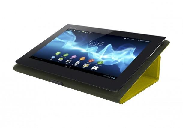 Dank der ungewöhnlichen, breiteren Rückseite liegt das Xperia Tablet S angenehm in der Hand
