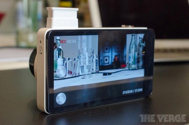 Die Galaxy Camera ist mit 16 MP und Android 4.1 ausgestattet.