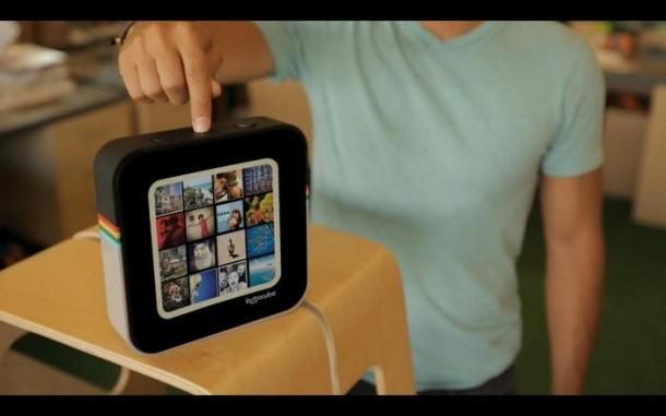 Der quadratische Bidschirm dient zur Anzeige von Fotos aus dem Instagram-Fotostream. Foto: Kickstarter.com.