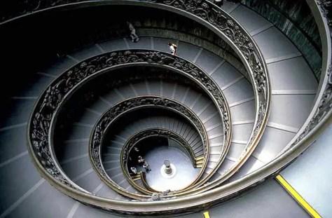 Escalera del Museo Vaticano