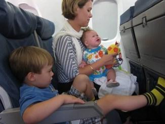 Utazás repülőn babával, kisgyerekkel1