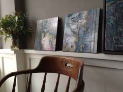 Small maps with a 'Douglas' chair