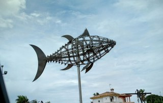 This stylish fish sculpture welcomes visitors to Chiclana de la Frontera. A highly appropriate design, given the strength of the fishing industry in the area.