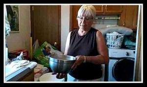 Karen Sussman mixing formula for foals. (From ISPMB video)