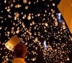 200px-Yi_peng_sky_lantern_festival_San_Sai_Thailand-150x150