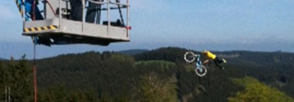Hinter_den_sieben_Bergen_Downhill_Anna_Szermanski_Fahrrad_Sauerland_header