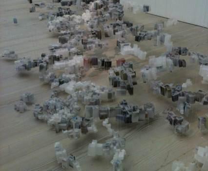 Kunst_mit_Verfallsdatum_Saatchi_Galerie_London_England_Anna_Szermanski_Collage_Papier_Kunst_Puppe_Plastik_8