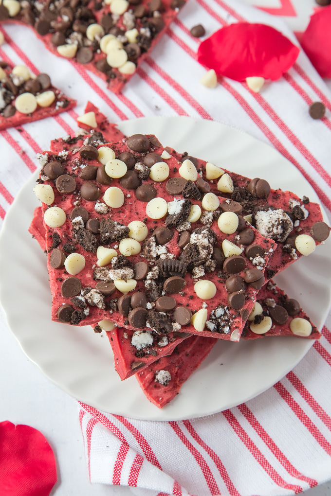 This Red Velvet Oreo Bark has two types of chocolate and a ton of crushed Oreo's, making an utterly divine, no-bake and easy to make Valentine's Day treat!