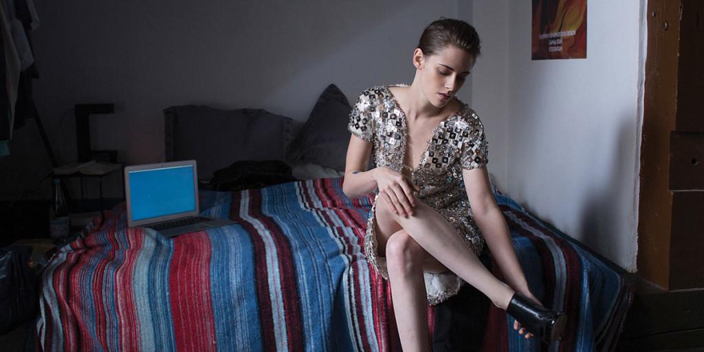 Kristen Stewart in una scena di Personal Shopper, il film di Olivier Assayas