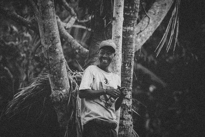 Apel Photography - Street Photography - Journalist Photographers - Bali Masive Cremationan Ceremony - Ngaben di Nusa Penida - Bali Monochrome Photographers (22)