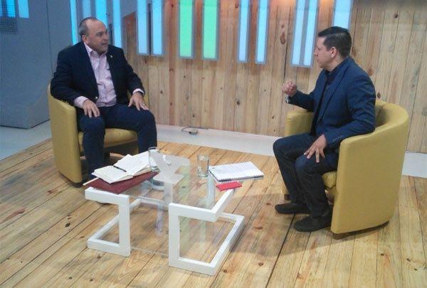 El ministro para el Trabajo, Francisco Torrealba
