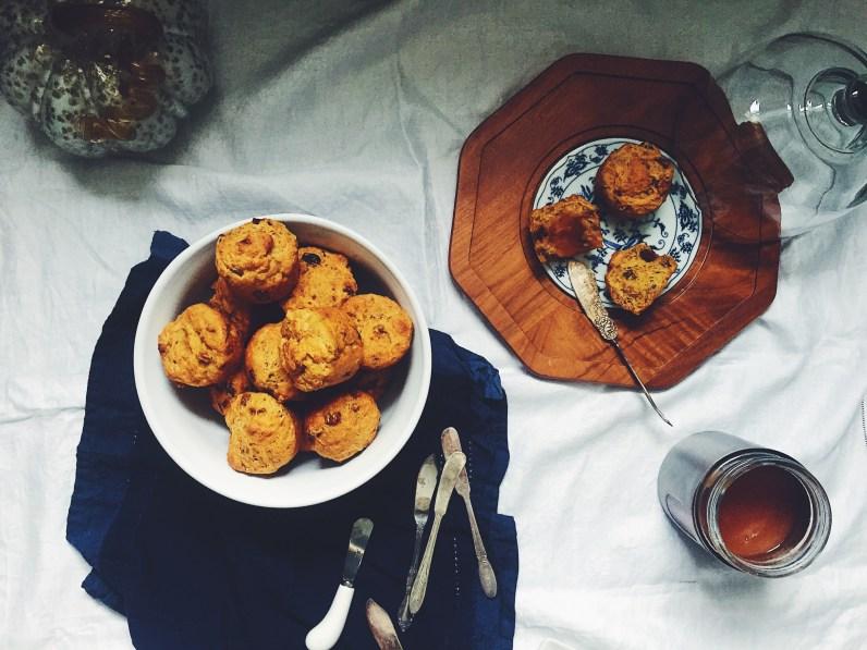 appeasing-a-food-geek-pumpkin-rolls-apple-butter-1