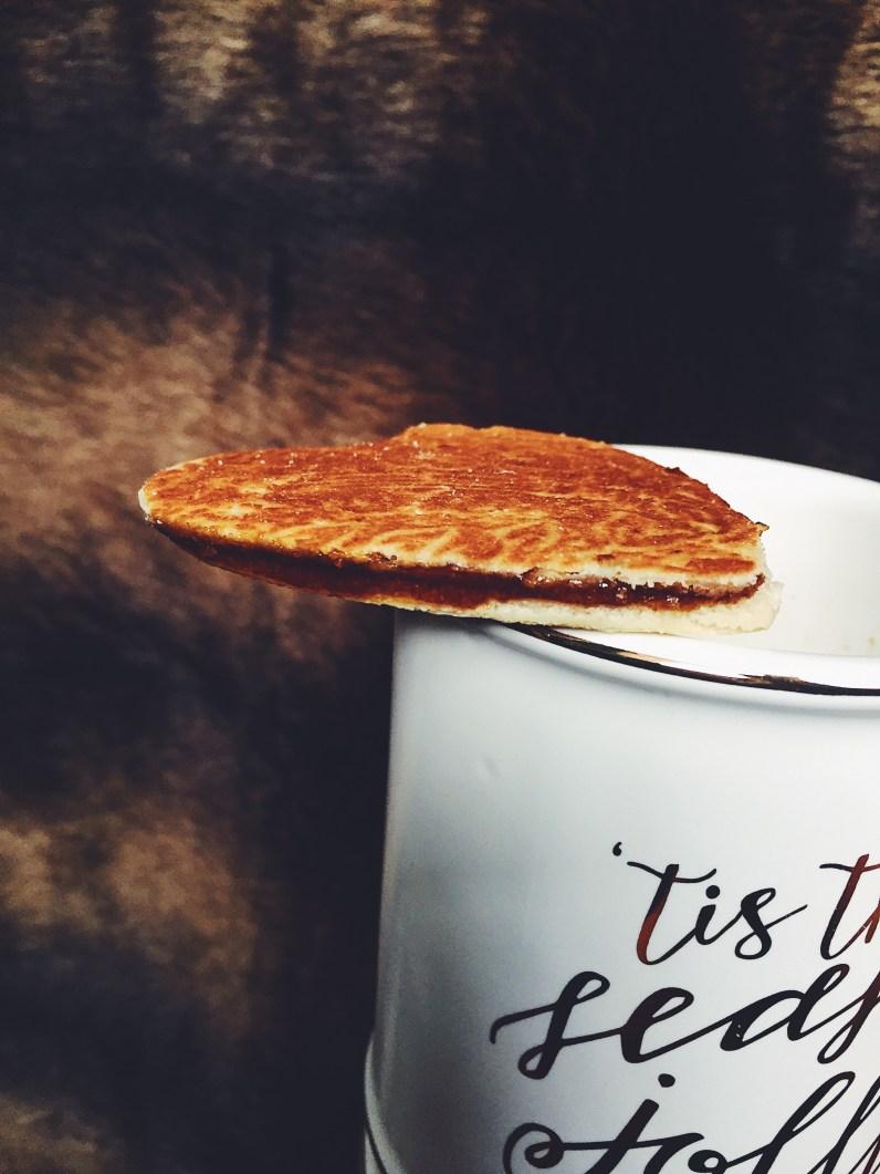appeasing-a-food-geek-stroopwafel-honey-latte-10
