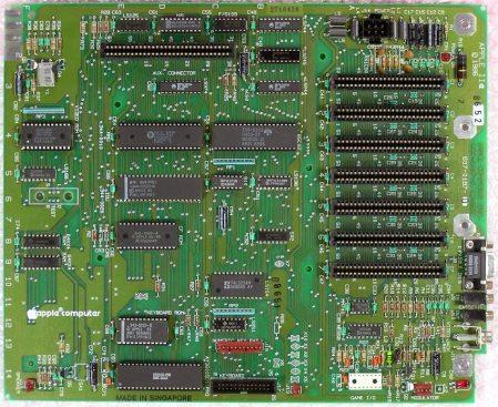 Apple IIe Motherboard