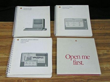 Macintosh Plus Manuals and Software