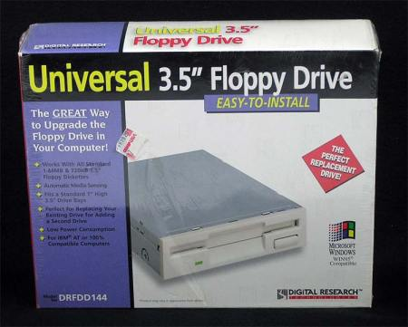 Universal 3.5″ Floppy Drive ~ Internal
