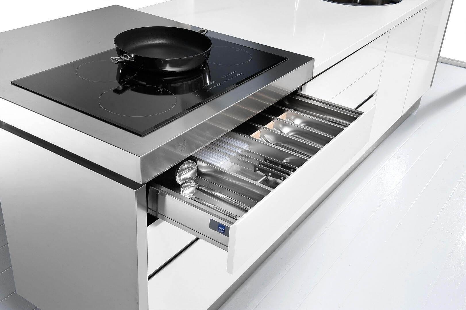 Arca Cucine Italia - Cassetto Porta Posate con Divisori in acciaio Inox, Illuminazione Led e Chiusura Frenante