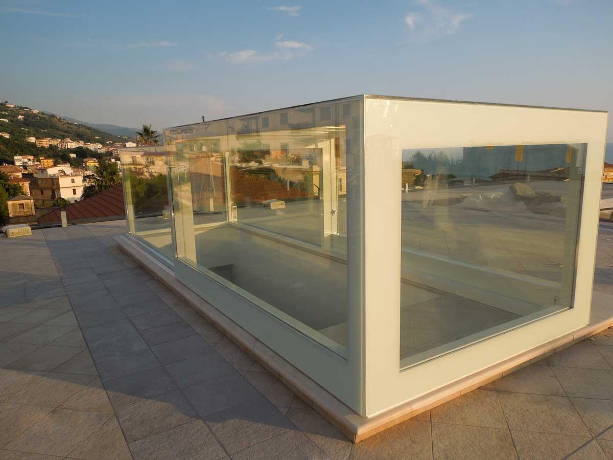 Lucernari per tetti piani in vetro archivetro for Grandi piani del ranch