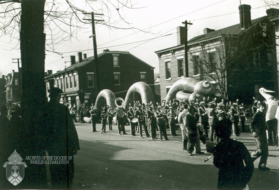 Balloon character, 1940 Wheeling Christmas Parade. Eddie Martin Collection, Diocese of Wheeling-Charleston.