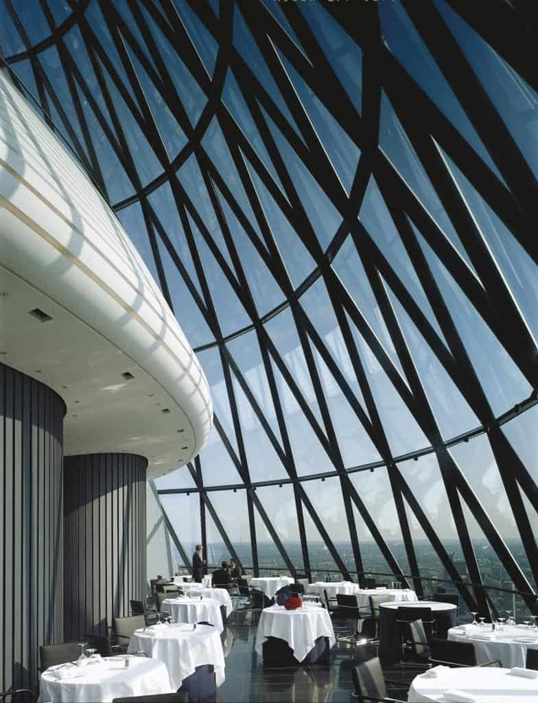The gherkin foster 39 s monumental building in the heart of for Architecture londres