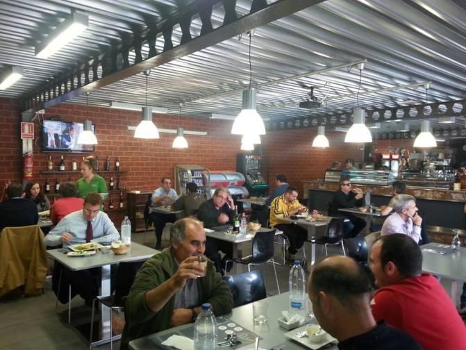 area-estaciones-multiservicio-restaurante1