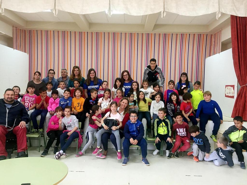 Los escolares de Argamasilla de Calatrava toman conciencia en contra de la no discriminación y el reparto equitativo de la riqueza