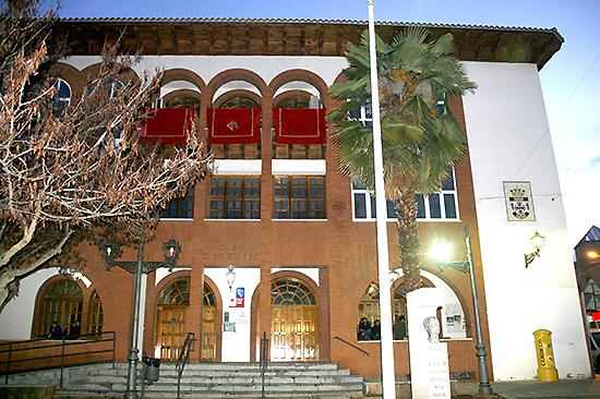 El Ayuntamiento oferta 23 plazas de monitores para las actividades 2017-2018 de la Universidad Popular y el Centro de Mayores