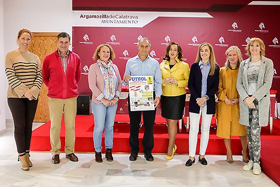 Los Veteranos del Calatrava entregan a AGIRES 800 euros para seguir contribuyendo con las víctimas de la violencia de género