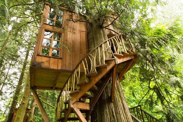 Exploring Treehouses at TreeHouse Point : Traveling with ...