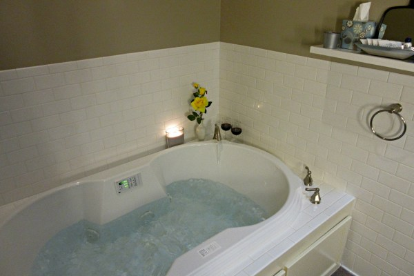 henry-stanley-suite-jet-tub-lesmeister-guesthouse-pocahontas-arkansas-usa