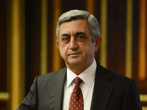 2675 b 300x225 Obama Congratulates Sarkisian on Re Election