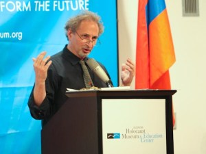 Balakian speaks at the museum.