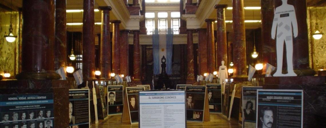 Muestra realizada en la antigua Sucursal Rosario del Banco de la Nación Argenti