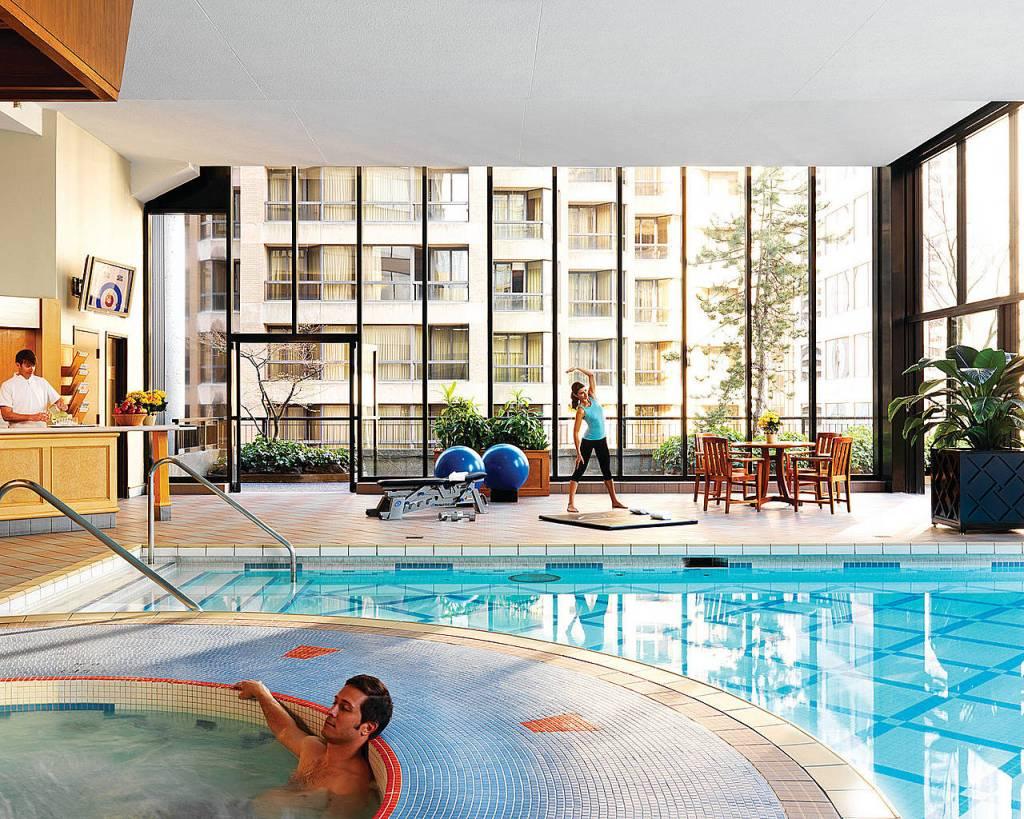Four Seasons Indoor / Outdoor Pool