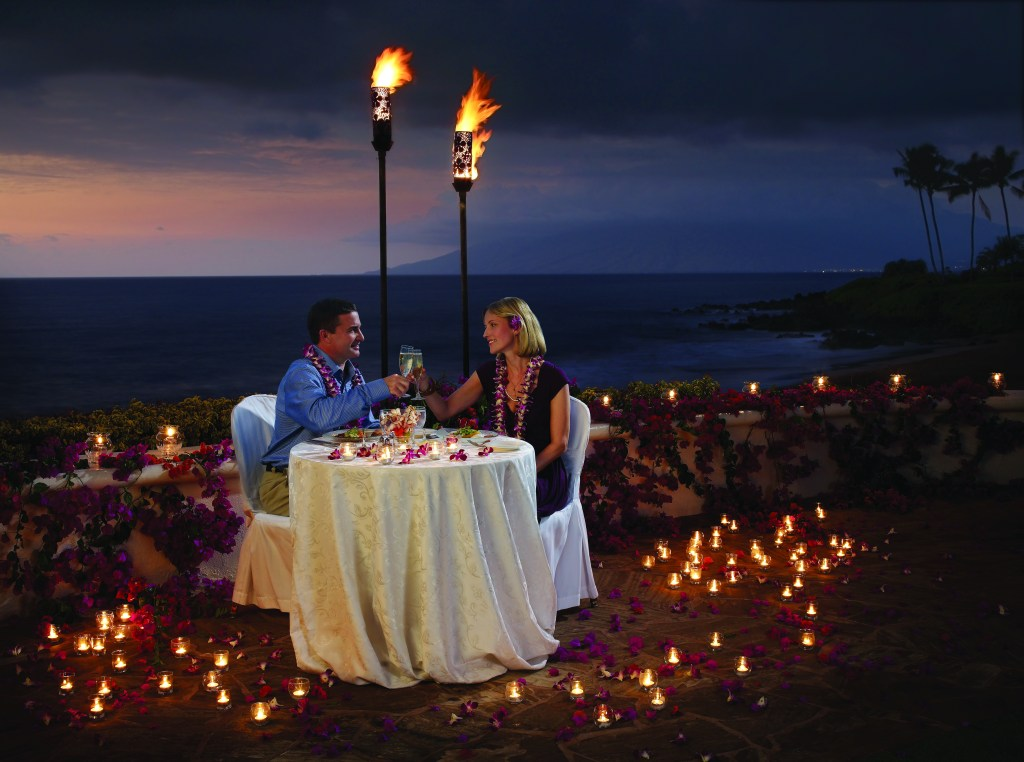 A private, romantic oceanfront dinner called Hoku'Lani or Dining under the Stars at Fairmont Kea Lani, Hawaii. Credit: Fairmont Kea Lani