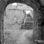Innenhof der Ruine Bramberg