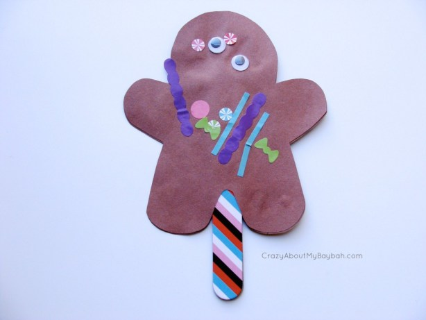 Gingerbread Man Puppets -  25 Winter and Christmas Crafts for Kids #Toddlers #Preschoolers #Homeschool