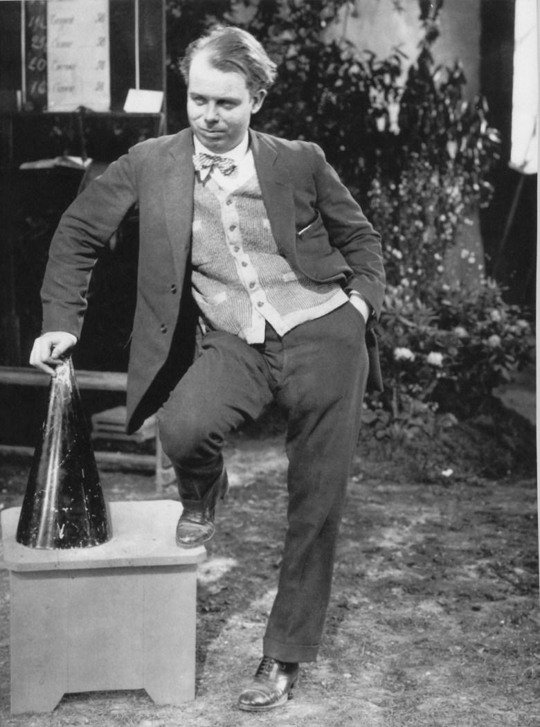 Cine. Fotograma de la película 'La regla del juego', de Jean Renoir, 1939. Vertical