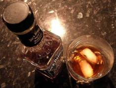 How to order whiskey: Airplane bottle of Jack Daniels