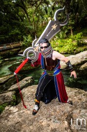 Auron with Ultimate Weapon cosplay.