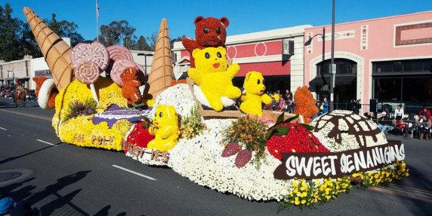 rose bowl parade: sweet shenanigans float