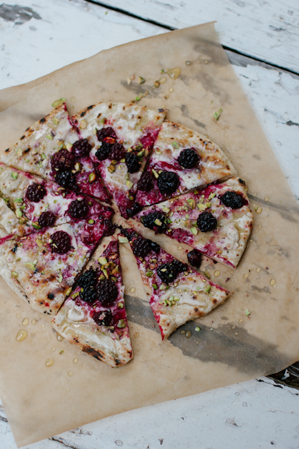grilled blackberry pizza with goat cheese, pistachios, and honey | bread in 5