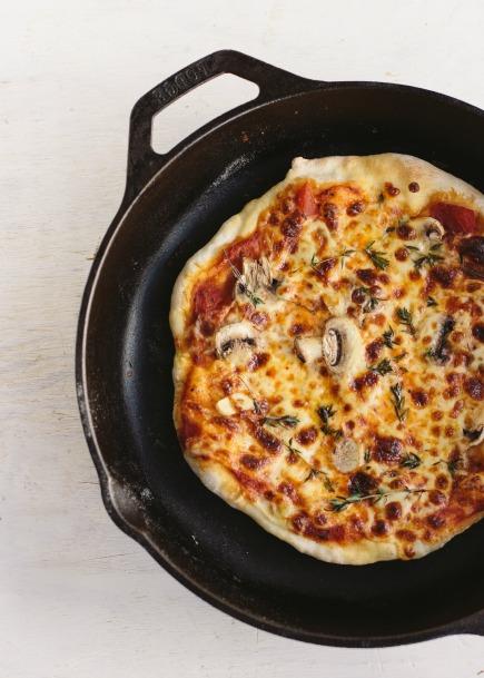 mushroom garlic thyme stovetop pizza | bread in 5