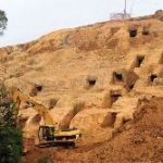 Chinese Archaeologists Save Ancient Cliff Tombs